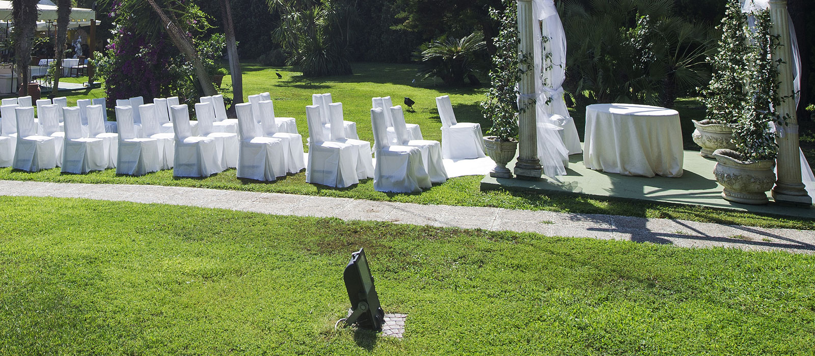 1054c2ea6086 ... Rito Civile Ufficiale in Villa · Chiese · La Villa · Dicono di noi ·  Contatti. Menù per Matrimoni a Roma